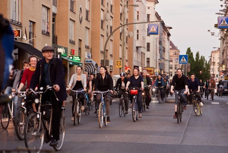 Eine FahrradBande in Berlin.